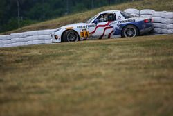 #34 Alara Racing Mazda MX-5: Christian Szymczak, Bob Stretch in trouble
