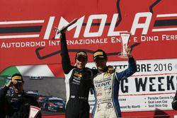 Nicolas Costa e Yuki Nemoto, Vincenzo Sospiri Racing sul podio
