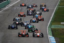 Start: Lando Norris, Josef Kaufmann Racing leads