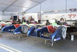 Le garage du Team Aguri