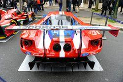 Ford GT in de straten van Parijs