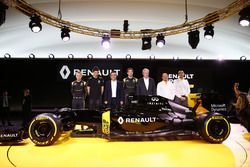 Carlos Ghosn, Renault President met Jerome Stoll, Renault Sport F1 president, Cyril Abiteboul, Rena