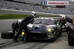Pitstop #93 Riley Motorsports Dodge Viper SRT: Ben Keating, Gar Robinson, Jeff Mosing, Eric Foss, Da