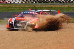 #9 Melbourne Performance Centre Audi R8 LMS Ultra: Marc Cini, Mark Eddy, Christer Joens sorun yaşıyo