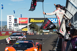 #59 Tekno Autosports McLaren 650S: Shane van Gisbergen, Alvaro Parente, Jonathon Webb takes the win
