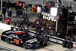 Boxenstopp Martin Truex Jr., Furniture Row Racing Toyota
