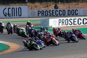Jonathan Rea, Kawasaki Racing Team leads al primo giro