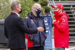 Presenter David Coulthard with Adrian Newey, Chief Technical Officer, Red Bull Racing, and Sebastian Vettel, Ferrari