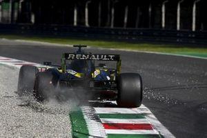 Daniel Ricciardo, Renault F1 Team R.S.20 sobre la grava