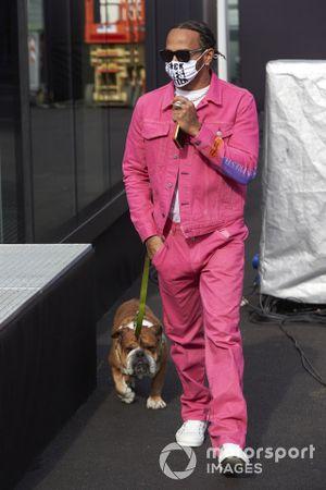 Lewis Hamilton, Mercedes-AMG F1, with his dog Roscoe