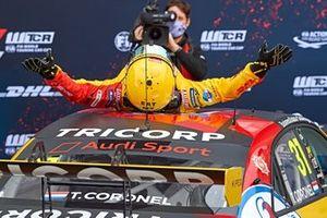 Racewinnaar Tom Coronel, Comtoyou DHL Team Audi Sport Audi RS3 LMS