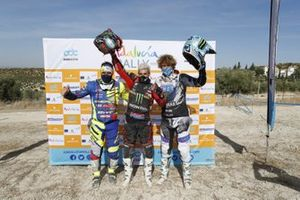 Podio final: Kevin Benavides, Honda HRC; Adrien Van Beveren, Yamaha; Lorenzo Santolino, Sherco TVS