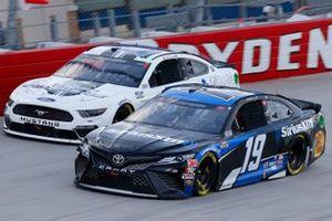 Martin Truex Jr., Joe Gibbs Racing, Toyota Camry SiriusXM, Joey Gase, Petty Ware Racing, Ford Mustang