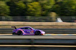 #57 Team Project 1 - Porsche 911 RSR: Ben Keating, Felipe Fraga, Jeroen Bleekemolen