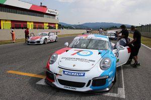 La Porsche 911 GT3 Cup di Vicky Piria in griglia di partenza