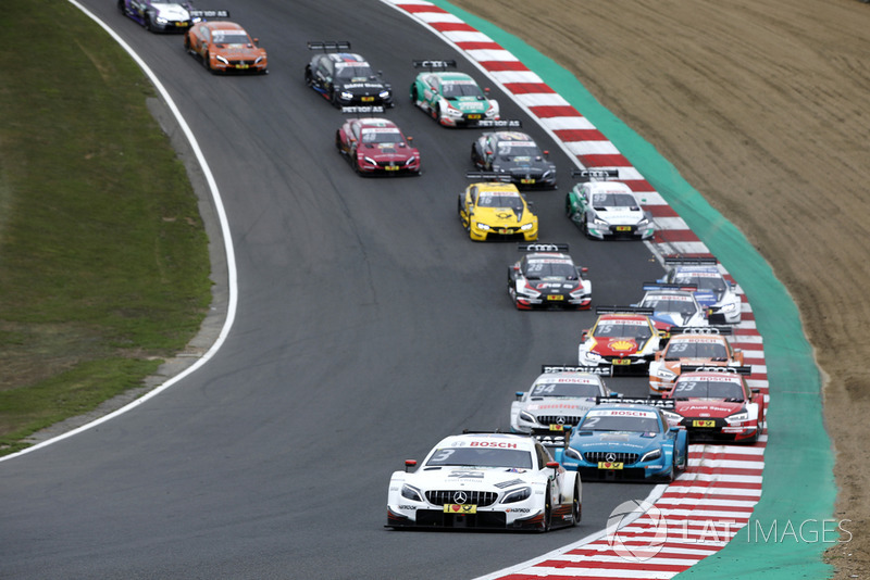 Paul Di Resta, Mercedes-AMG Team HWA, Mercedes-AMG C63 DTM leads after restart
