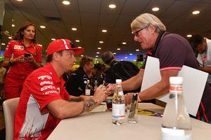 Kimi Raikkonen, Ferrari at the fans autograph session