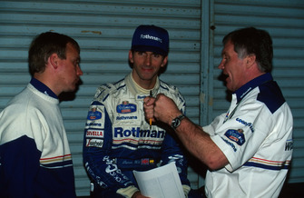 Patrick Head, Williams Technical Director, with Damon Hill, Williams and David Brown