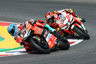 Marco Melandri, Aruba.it Racing-Ducati SBK Team, Lorenzo Savadori, Milwaukee Aprilia