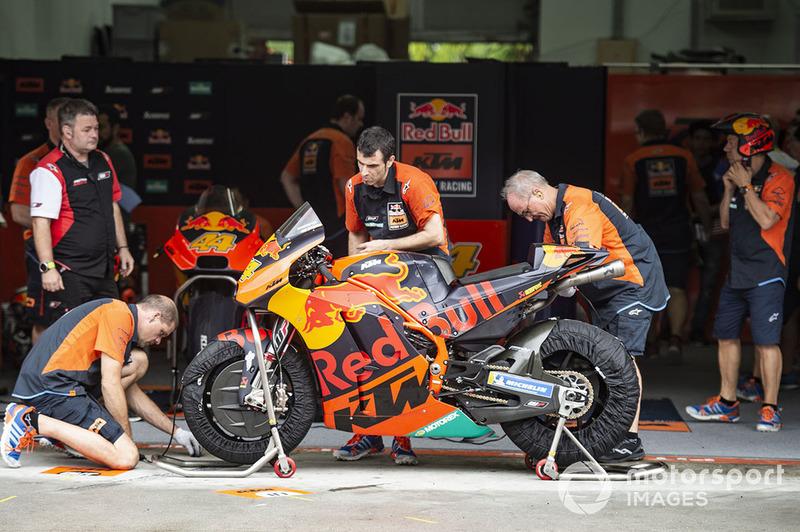 Llucia KTM garaje