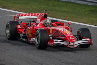 Заезды автомобилей Ф1