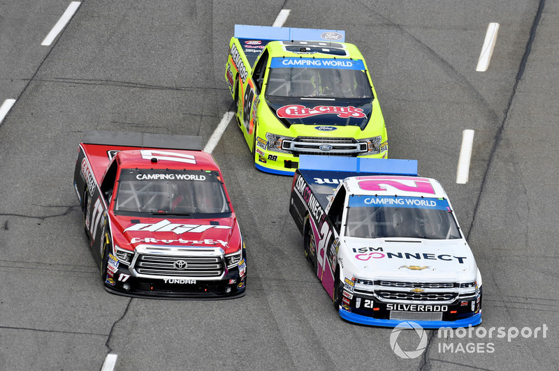 Johnny Sauter, GMS Racing, Chevrolet Silverado ISM Connect, Kyle Benjamin, DGR-Crosley, Toyota Tundra CROSLEY BRANDS / DGR CROSLEY, Matt Crafton, ThorSport Racing, Ford F-150 Chi-Chis/Menards