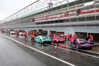 Atmosfera in pit lane