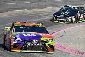 Kyle Busch, Joe Gibbs Racing, Toyota Camry M&M's Halloween, Kurt Busch, Stewart-Haas Racing, Ford Fusion Haas Automation/Monster Energy