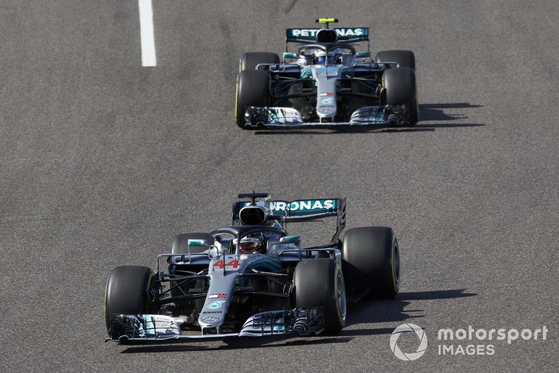 """<img src=""""https://cdn-1.motorsport.com/static/custom/car-thumbs/F1_2018/CARS/mercedes.png"""" alt="""""""" width=""""250"""" /> Mercedes"""