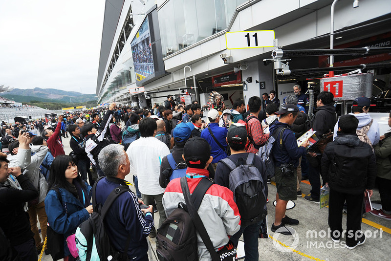 Fans during the autograph Session