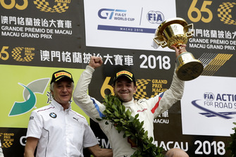 Podium: #42 BMW Team Schnitzer BMW M6 GT3: Augusto Farfus with Charly Lamm, Team principal BMW Team Schnitzer