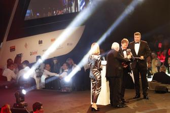 Malcolm Wilson reçoit le prix de voiture de rallye de l'année