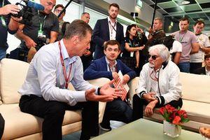 Dmitry Kozak, vice premier ministre de la Fédération de Russie, Sergey Vorobyev, directeur général du Sochi Autodrom et Bernie Ecclestone