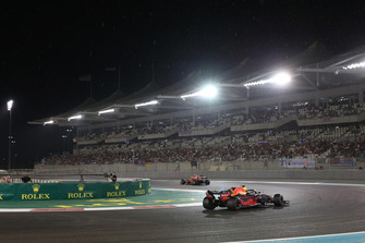Max Verstappen, Red Bull Racing RB14 and rain