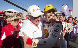 Supercars-Champion 2018: Scott McLaughlin, DJR Team Penske Ford, mit Dick Johnson