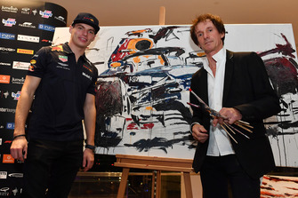 Max Verstappen, Red Bull Racing et Armin Flossdorf, artiste pour la fondation Make A Wish