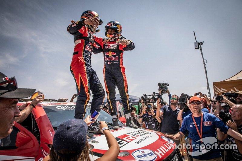 Нассер Аль-Аттия и Матье Бомель, Toyota Gazoo Racing SA, Toyota Hilux (№301)