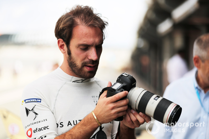 Jean-Eric Vergne, DS TECHEETAH, with a camera