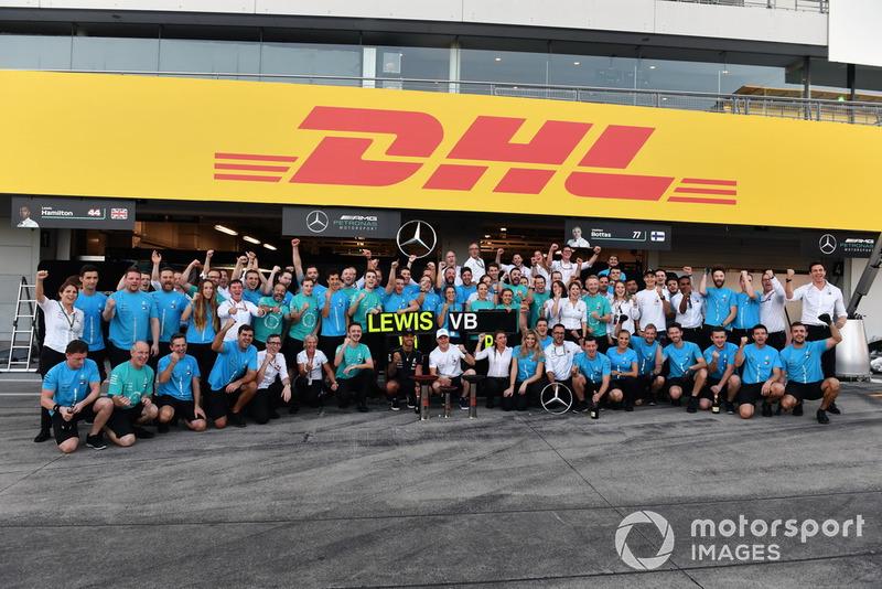 Mercedes celebra su doblete en el GP de Japón 2018