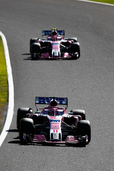 Sergio Perez, Racing Point Force India VJM11, leads Esteban Ocon, Racing Point Force India VJM11