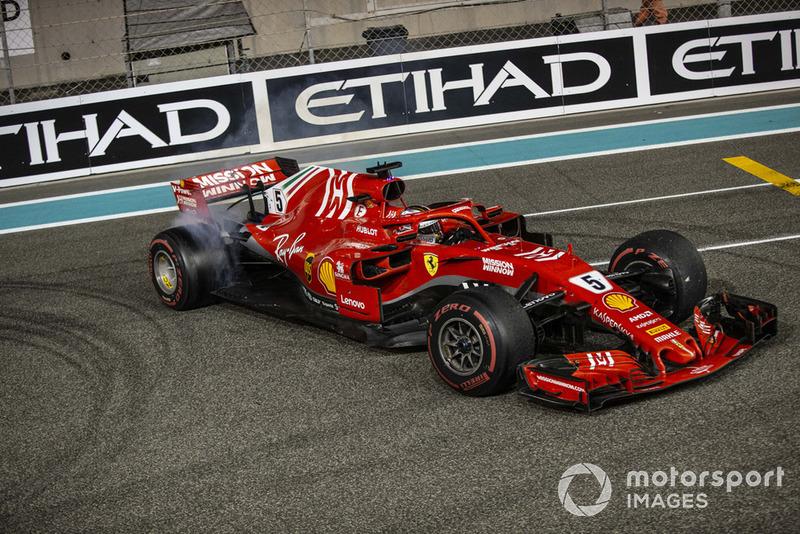 Sebastian Vettel, Ferrari SF71H donuts al final de la carrera