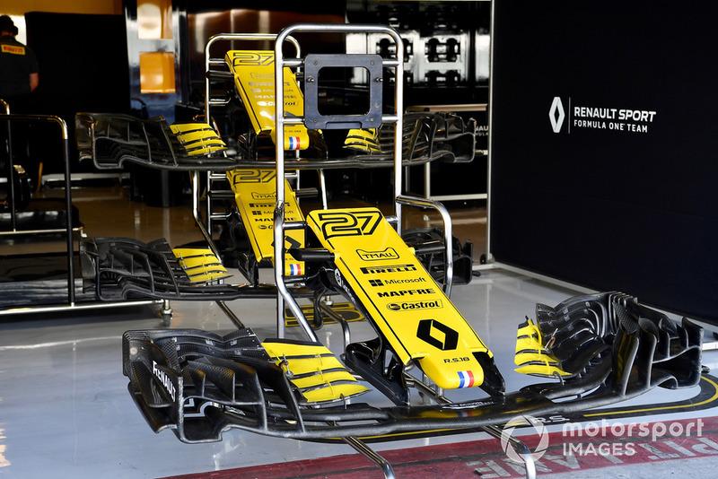 Des nez et ailerons avant de la Renault Sport F1 Team R.S. 18