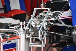 Detalle de la suspensión delantera del Haas VF-21