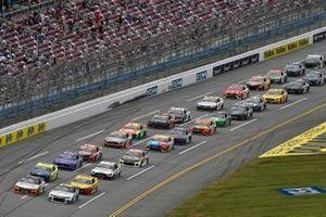 Justin Haley, Kaulig Racing, Chevrolet Camaro LeafFilter Gutter Protection, Justin Allgaier, JR Motorsports, Chevrolet Camaro BRANDT