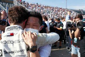 Campione Nyck de Vries, Mercedes-Benz EQ, Albert Lau, ingegnere di gara, Mercedes Benz EQ, celebrare