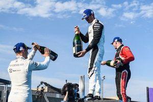 Stoffel Vandoorne, Mercedes-Benz EQ, 3° posizione, Norman Nato, Venturi Racing, 1° posizione, Oliver Rowland, Nissan e.Dams, 2° posizione, sul podio