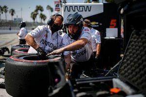 Patricio O'Ward, Arrow McLaren SP Chevrolet crew members