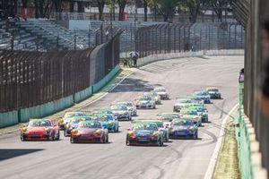 Largada da Porsche GT3 Cup em Interlagos