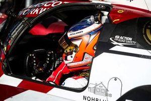 Kevin Magnussen, #49 High Class Racing Oreca 07 - Gibson LMP2