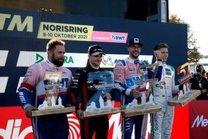Podio: Ganador de la carrera Maximilian Götz, Haupt Racing Team, segundo lugar Lucas Auer, Mercedes AMG Team Winward, tercer lugar Maximilian Buhk, Mücke Motorsport